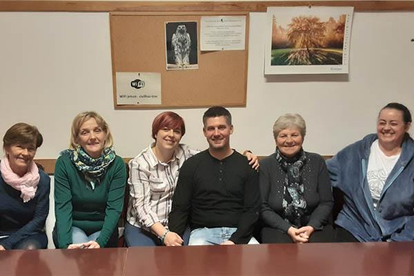 Kör-élet Egerben Szeretet Fénye csoportkép